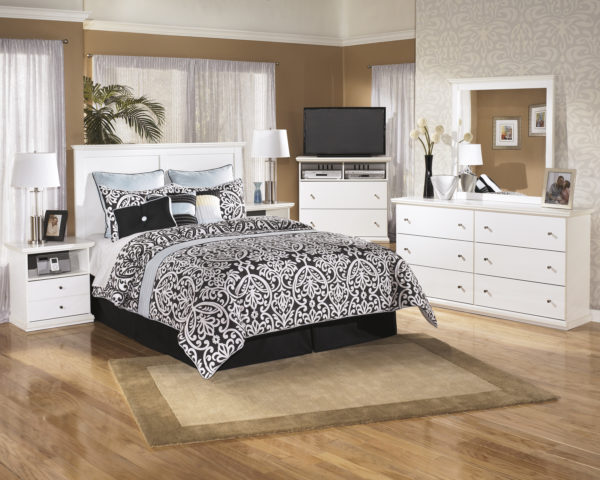 Vintage Casual White Bedroom Group