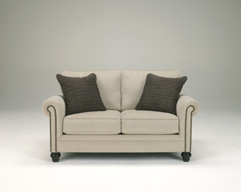 Traditional Classics Linen Loveseat